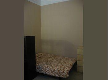 Habitación Individual (350€) piso reformado