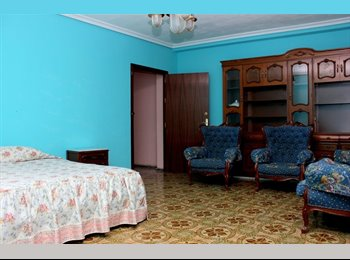 EasyPiso ES - Alquilo habitaciones en Nervión, Sevilla - 250 € por mes