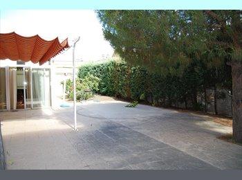 Casa con jardin cerca de la UCM