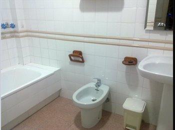 Habitación disponible, piso muy céntrico