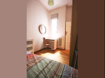 Habitación en piso de carácter en Sol