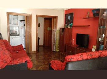 EasyPiso ES - HABITACIÓN AMPLIA 200€ TODO INCLUIDO , Salamanca - 200 € por mes