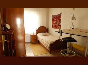 Habitaciones ind. entre 210-260 €/mes gastos incl.