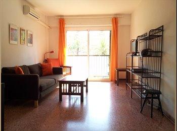¡¡Estupendo piso en el barrio de Ruzafa!!