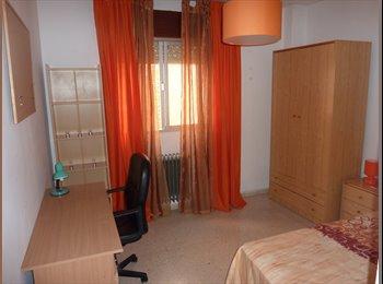 EasyPiso ES - Alquilo gran piso para estudiantes centro Granada - Centro Ciudad, Granada - 190 € por mes