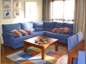 Alquilo bonita habitación en urbanización de lujo