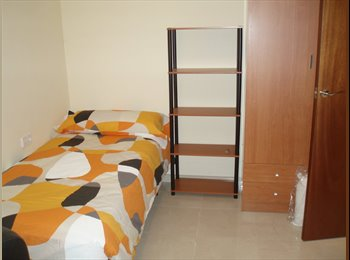 EasyPiso ES - Habitacion en Cerdanyola  para Estudiantes - Cerdanyola Del Vallès, Barcelona - 265 € por mes