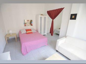 EasyPiso ES - Habitaciones en valencia (Room in Valencia), Valencia - 300 € por mes