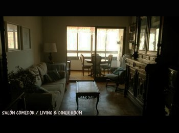 Habitación individual para estudiantes en piso compartido/...