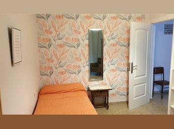 Se alquila habitación en pleno centro de Granada ¡¡Chicas!!