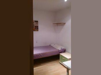 EasyPiso ES - Busco Noia Per Compartir Pis - Sabadell, Barcelona - 200 € por mes