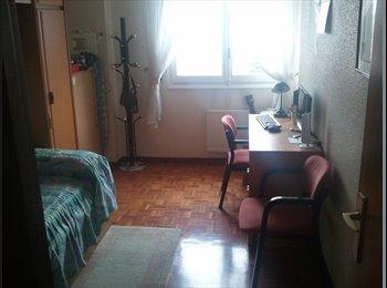 Alquilo habitacion con derecho a cocina