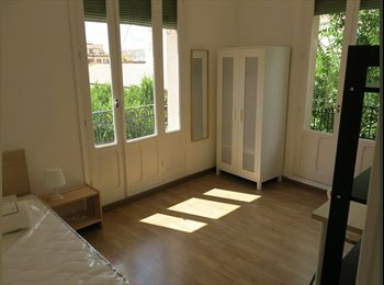 ROOMS WITH BALCONY IN MONCLOA
