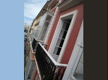 EasyPiso ES - Habitación con balcón muy soleada. - Centro, Cádiz - 300 € por mes