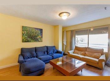 EasyPiso ES - Muy buen piso amplió cerca del Campus de Tarongers, Valencia - 275 € por mes