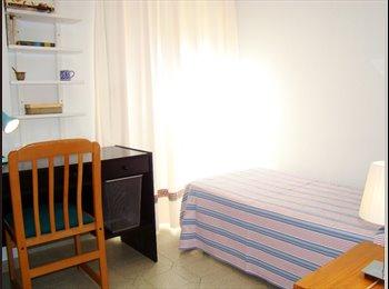 2 habitaciones libres en Nervión. Chicos