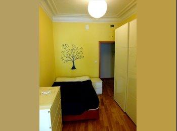 habitacion con Balcon en sol- Callao