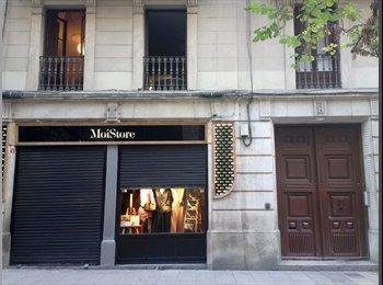 EasyPiso ES - Habitación amueblada en El Born - Ciutat Vella, Barcelona - 390 € por mes
