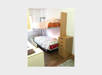 Dos habitaciones disponibles ,un baño disponible