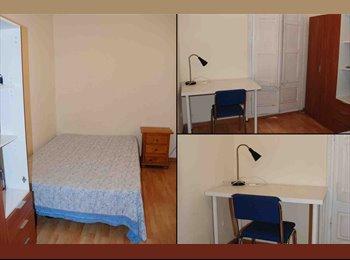 EasyPiso ES - Habitación con patio interior privado - Sarrià-Sant Gervasi, Barcelona - 380 € por mes