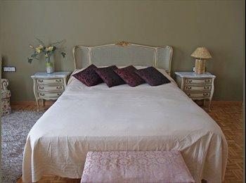 EasyPiso ES - Gran habitacion matrimonial con balcon, Gràcia - 650 € por mes