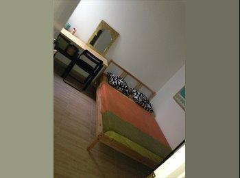 EasyPiso ES - Alquilo habitación  - El Prat, Barcelona - 300 € por mes