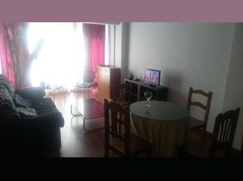 Habitacion disponible piso reformado muy centrico