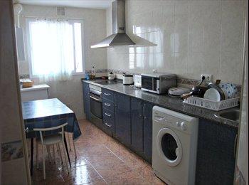 EasyPiso ES - Se buscan dos compañeras de piso - Centro, Cádiz - 225 € por mes