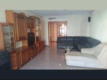 EasyPiso ES - ESTUDIANTE FISIOTERAPIA - Centro, Almería - 230 € por mes