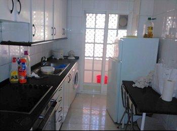 EasyPiso ES - habitación en la plaza del oeste - San Bernardo - Carmelitas, Salamanca - 175 € por mes