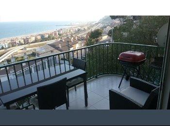 EasyPiso ES - HABITACIÓN en casa grande con 2 personas - Castelldefels, Barcelona - 440 € por mes