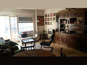 EasyPiso ES - Habitación en Piso amplio y luminoso - Eixample, Barcelona - 250 € por mes