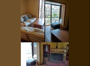 EasyPiso ES - Habitación cerca de Plaça Espanya - Zona Franca, ambiente joven - Sants-Montjuïc, Barcelona - 310 € por mes