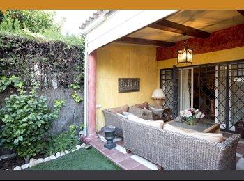 Pensión completa en habitación de lujo en Tomares, Sevilla