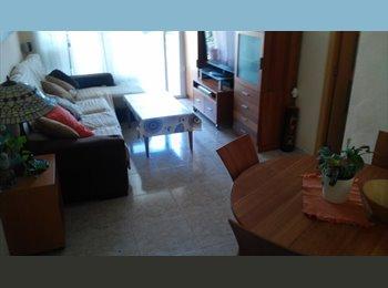 EasyPiso ES - Habitación mediana / Doble en Castelldefels playa, Castelldefels - 300 € por mes