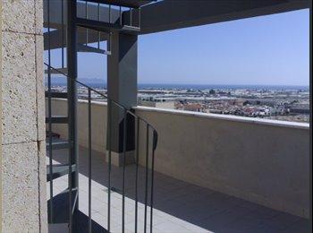 EasyPiso ES - Bonito ático en alquiler por habitaciones con impresionantes vistas. - Centro, Almería - 250 € por mes