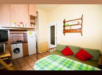 EasyPiso ES - Habitación en piso compartido  - Centro, Oviedo - 190 € por mes