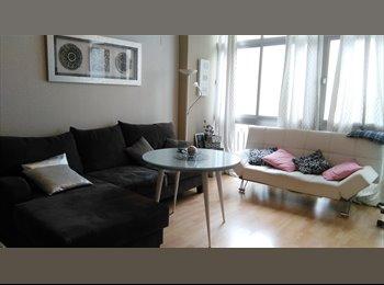 EasyPiso ES - Habitación en precioso piso en el Centro: junto Paseo del Salón, Granada - 280 € por mes