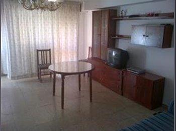 EasyPiso ES - Habitación en piso compartido de estudiantes. - Ciudad Jardín, Córdoba - 180 € por mes