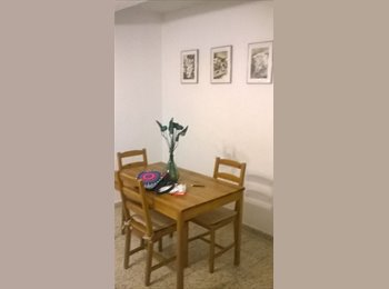 EasyPiso ES - Habitación pequeña y económica en el Zaidín - Vergeles - Zaidín, Granada - 150 € por mes