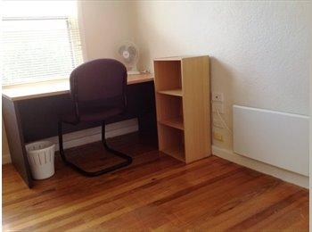 EasyPiso ES - Fully Furnished Room available!  - Centro Ciudad, Madrid - 300 € por mes