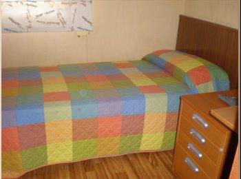 EasyPiso ES - Alquilo  Habitación a Estudiantes - Sant Martí, Barcelona - 325 € por mes