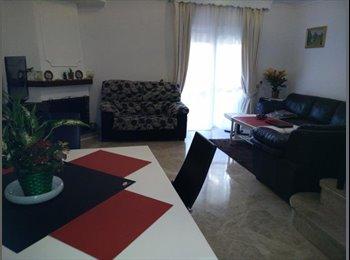 EasyPiso ES - Alquilamos habitación a chica con contrato de trabajo - Otras Áreas, Marbella - 300 € por mes