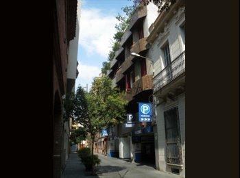 EasyPiso ES - Habitacion disponible desde FEBRERO 2016.  Se alquila a CHICA - Sarrià-Sant Gervasi, Barcelona - 350 € por mes