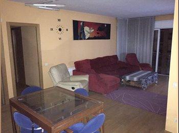 EasyPiso ES - Habitacion doble  - Sabadell, Barcelona - 320 € por mes