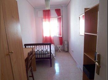 Estupenda habitación en barrio Santa Cruz!