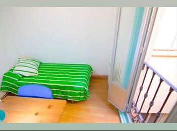 Habitación en piso compartido, Antón Martín, gastos...