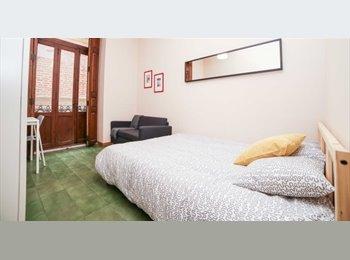 EasyPiso ES - Habitaciones en piso C/San Martín (plaza de la Reina), Valencia - 300 € por mes