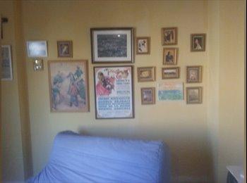 EasyPiso ES - Comparto piso ático en Pinar de Chamartín  - Hortaleza, Madrid - 350 € por mes