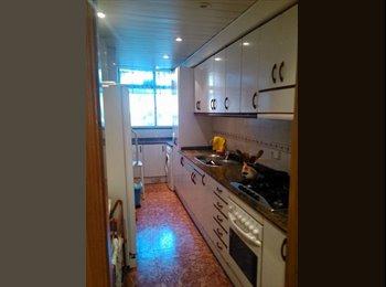 EasyPiso ES - Se alquila 1 habitació amueblada en la playa Castelldefels, a 15 minutos de Bcn, Castelldefels - 450 € por mes